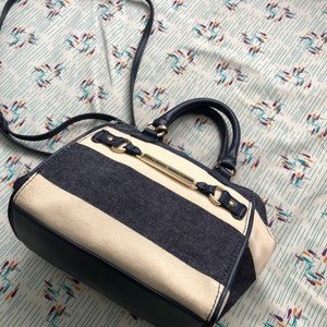 Tommy Hilfiger crossbody